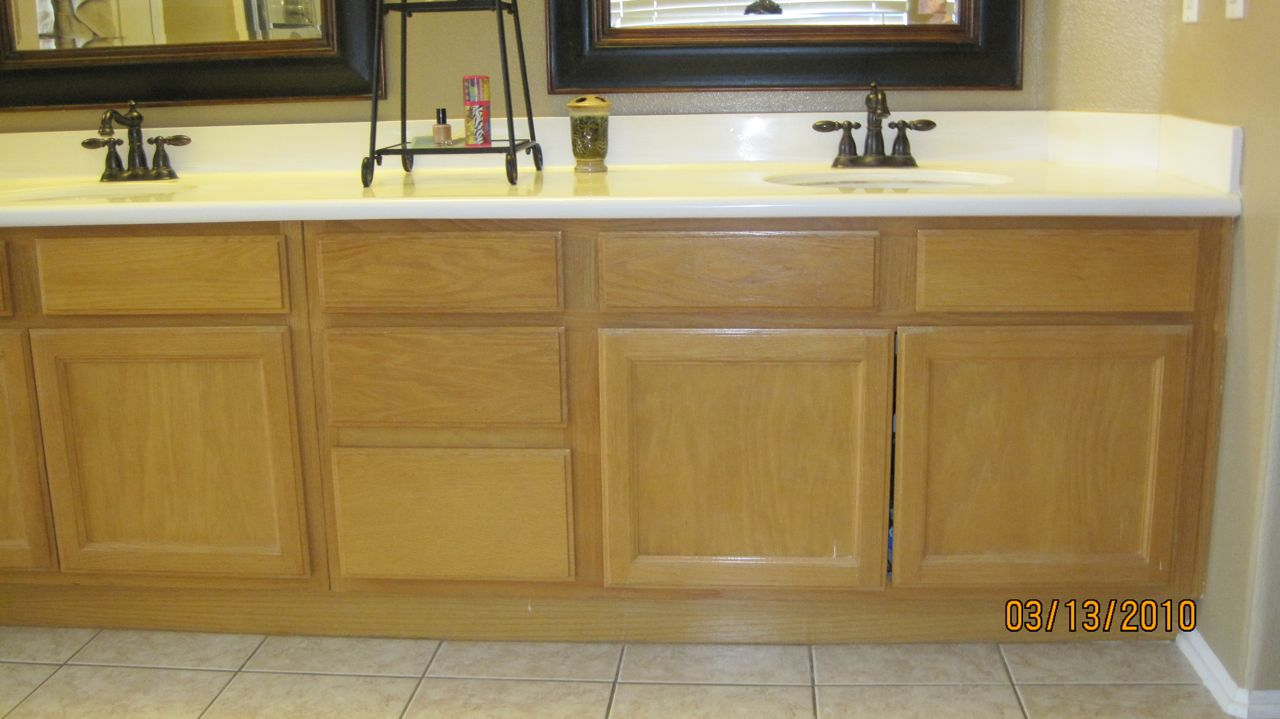 Really ugly oak cabinets before Caromal Colour makeover : refinish bathroom cabinets - Cheerinfomania.Com